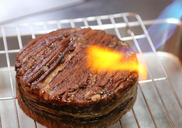 穴子寿司ケーキ(美奈吉)- ケーキのような、びっくりお寿司