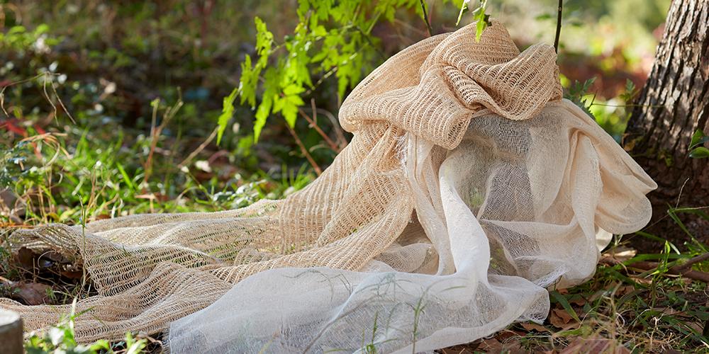 樹から生まれたストール・ハンドタオル(縁樹の糸)