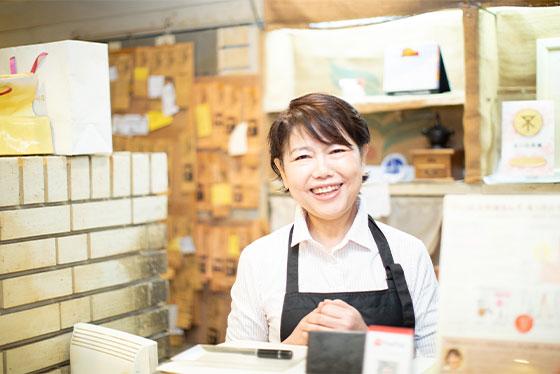 塚本商店街の喫茶店発。 食べる人の笑顔を輝かせる 「コラーゲン食パン」